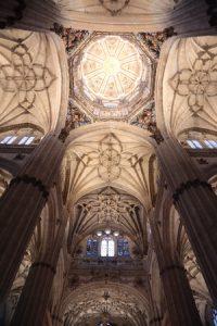 fundacion-iberdrola-espana-inaugura-iluminacion-ornamental-interior-catedral-nueva-salamanca-20190412-3